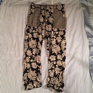American Eagle Outfitters Pants - American Eagle Outfitters Flowy Floral Pants